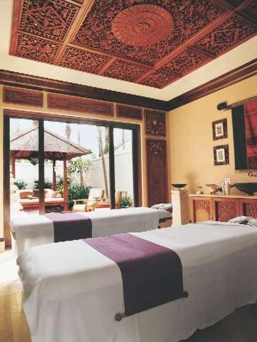 One&Only Ocean Club, Bahamas: vencedor de diversos prêmios, o One & Only Spa oferece aos hóspedes a possibilidade de relaxar em oito vilas de tratamento em estilo balinês, seguindo tratamentos que terminam com um delicioso chá japonês