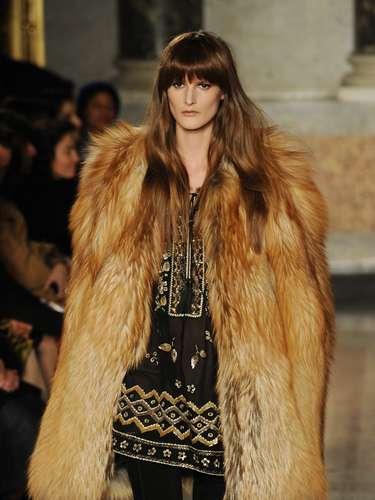 Os casacos de pele vieram em uma versão bem volumosa