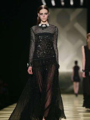 O glamour ficou por conta de vestido luxuosos, mas com a parte de cima casual