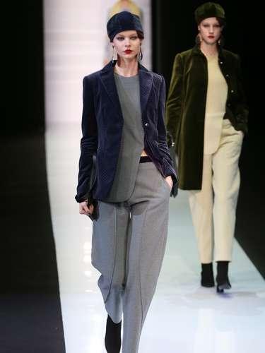 A Emporio Armani exibiu sua coleção na semana de moda de Milão neste domingo (24)