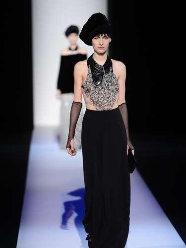 O estilista italiano Giorgio Armani desfilou sua primeira linha, que leva o seu nome, nesta segunda-feira (25), penúltimo dia da semana da moda de Milão, na Itália