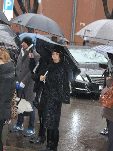 Até as botas de borracha passaram a fazer parte do look dos convidados, já que a chuva não deu trégua hora nenhuma