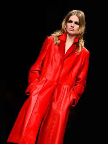 Não faltaram os longos casacos de lã para os dias mais frios, um casaco de pele, em duas cores, e as peças de couro, que não podem faltar no guarda-roupa de inverno