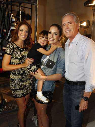 Rafaella, Ticiane e Justus prestigiram lançamento da Pop up store, comandanda por Fabiana Justus