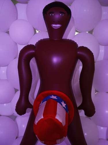 Boneco inflável inspirado no presidente dos Estados Unidos, Barack Obama