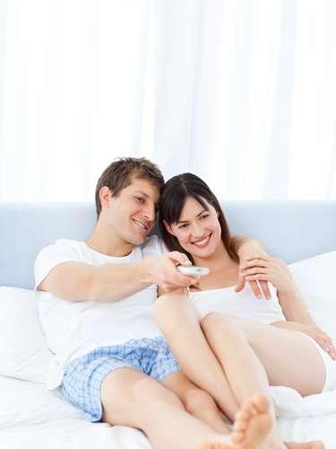 Experiência compartilhada Qualquer tempo juntos, seja praticando um hobby ou compartilhando uma experiência sexual, significa um investimento na longevidade da relação. Se masturbar vendo pornografia é bom, mas incluir o parceiro no programa pode fazer com que seja ainda mais prazeroso