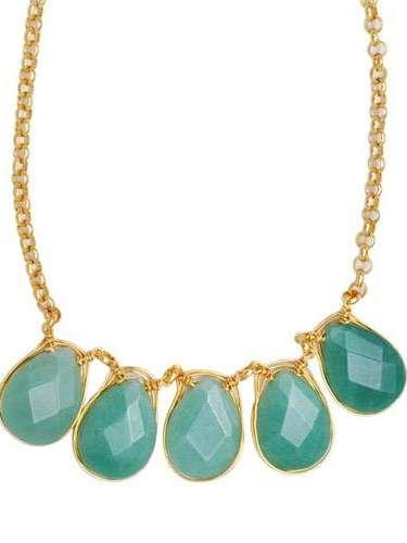 Colar com pedras verdes Morana, R$ 119, Tel. 11 4208-6200