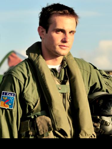 Ciro (Max Fercondini)  Desde garoto era apaixonado por aviões e acabou entrando para Força Aérea. Rapaz rico e um tanto mimado, mas que aprende a duras penas que no quartel não existe vontade própria e sim coletiva