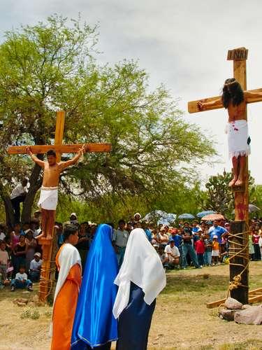 As comemorações de Páscoa no México são simples, mantendo-se a tradição de encenar a Paixão de Cristo