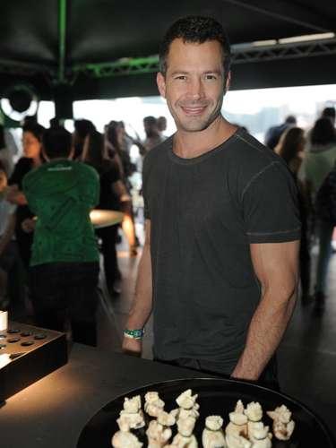 Neste sábado (30), segundo dia do festival Lollapalooza Brasil 2013, o Jockey Club de São Paulo recebeu alguns famosos. Na foto,  o ator Malvino Salvador