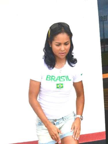 Ciclista número um do Brasil chegou a ficar internada na UTI, mas se recupera bem