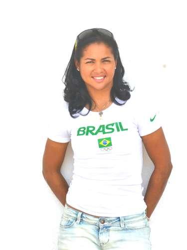 Ciclista cobrou mais apoio ao esporte e quer disputar Olimpíada de 2016 no Rio de Janeiro