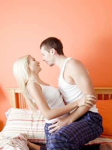 Como posso saber se o parceiro está infectado? A coisa frustrante sobre HPV é que não há como saber se o parceiro tem, a menos que ele apresente verrugas no pênis, escroto, ânus ou na virilha. E não há um teste para os homens. Então, aposte na sua segurança usando um preservativo