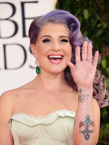 Kelly Osbourne possui diversas tatuagens espalhas pelo corpo de tamanhos variados. Entre elas estão a pequena borboleta desenhada no ombro direito e um trevo de quatro folhas no pulso esquerdo
