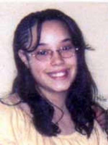 6 de maio -Imagem sem data mostra Georgina DeJesus antes de ser sequestrada em abril de 2004, quando tinha 14 anos