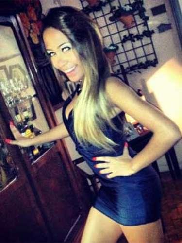 Irmã de Neymar exibe boa forma no Instagram