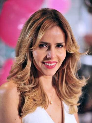 Glauce (Leona Cavalli)  Obstetra, Glauce é apaixonada por Bruno. Por amor, se tornará peça-chave do segredo que une Bruno e Paula