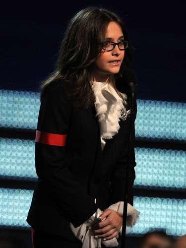 Paris Jackson discursa na 52ª edição dos prêmios Grammy, realizada em janeiro de 2010, meses após a morte de seu pai