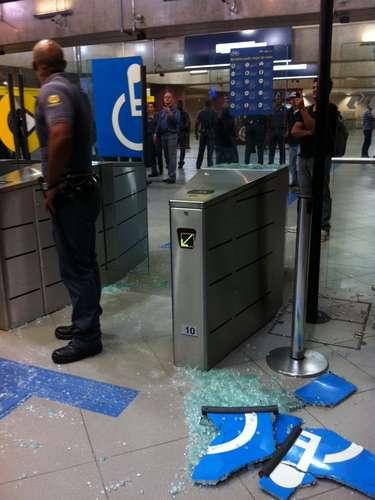 7 de junho - Houve tumulto na estação Faria Lima, após seguranças da Linha Amarela tentarem barrar manifestantes