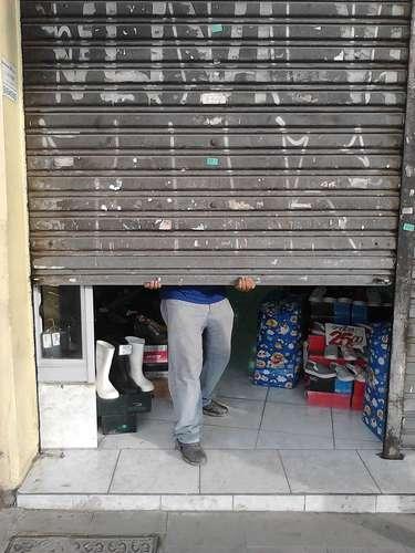 17 de junho - Com a iminência de nova manifestação, comerciantes da região do Largo da Batata fecharam as portas mais cedo nesta sexta-feira