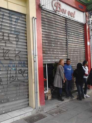 17 de junho - Temor de tumulto e ações de vandalismo fez com que lojas fechassem mais cedo na região central de São Paulo