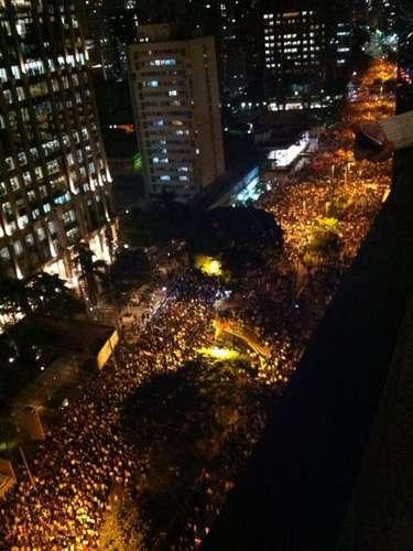17 de junho - Internauta fotografou ocupação da avenida Faria Lima, na zona oeste da capital paulista