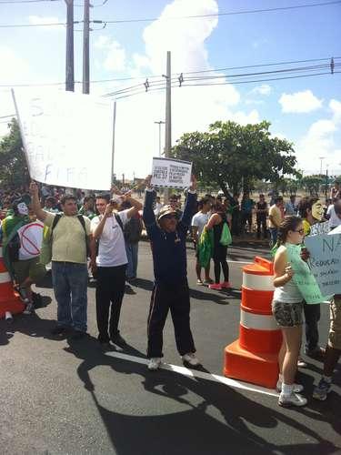 A Polícia Miliar Cearense promete controlar a marcha sem o uso de violência