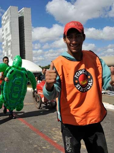 Brasília Segundo Carlos Alves, da Força sindical, a marcha deve reunir mais de 2 mil pessoas em Brasília
