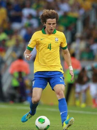 Zagueiro: David Luiz (Chelsea/ING)