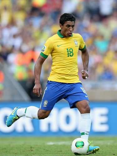 Volante: Paulinho (Tottenham/ING)