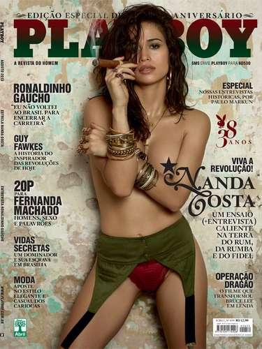 Capa da edição de agosto da Playboy, que comemora os 35 anos da publicação, a atrizNanda Costa causou polêmica nas redes sociais em razão do estilo \