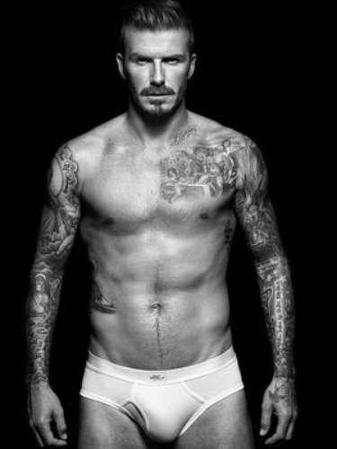 David Beckham Se você já viu David Beckham nos anúncios de cueca da rede de lojas de departamentos H&M não deve ter dúvida de que os elogios de Victoria Beckham sobre os atributos do marido são corretos. Ela falou sobre as fotos para o jornal The Sun. \