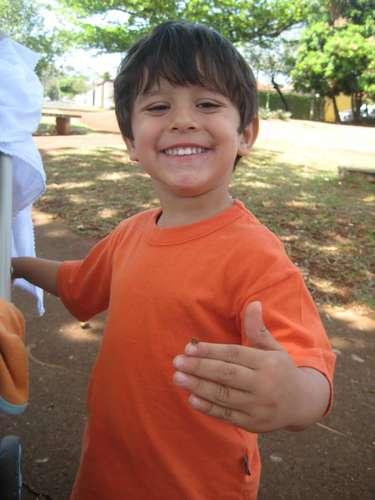 Foto de um passeio em família publicado no perfil do Facebook da mãe de Joaquim