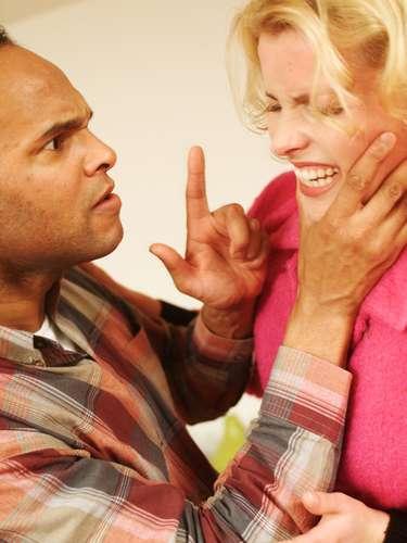 Os números da violência propriamente dita, revelados pelo estudo, também não são animadores. Entre os mais alarmantes, estão o de que 16% já foram violentos com a companheira, atual ou ex; 56% dos homens já cometerem algum tipo de agressão com a companheira, entre eles, xingamentos (53%), empurrões (19%), tapas (8%)