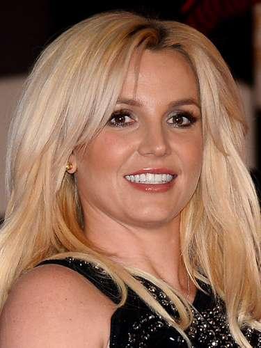 Britney Spears - Já a estrela pop, segundo sua irmã Lynne, fez sexo pela primeira vez aos 14 anos