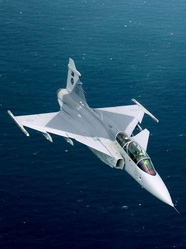 Gripen -Integrando o único radar AESA de 2a geração do mundo, o ES 05 Raven, o Gripen NG garante sua vantagem em termos de noção situacional, diz a Saab