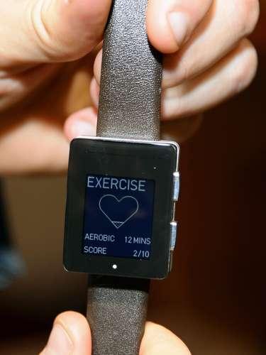 O relógio Wellograph rastreia a atividade física e exibe as informações através de um infográfico na tela. Ele pode monitorar a frequência cardíaca do usuário, funciona como um relógio de corrida e pedômetro, mede as calorias queimadas e pode registrar as informações por até quatro meses. O aparelho deve ser lançado em abril por US$ 320
