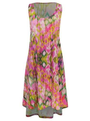 Vestido Renner de viscose com estampa floral. R$ 109. SAC: (11) 2165-2800
