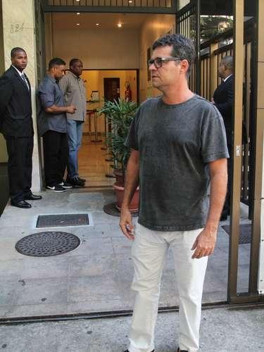 O ator Felipe Camargo esteve no velório