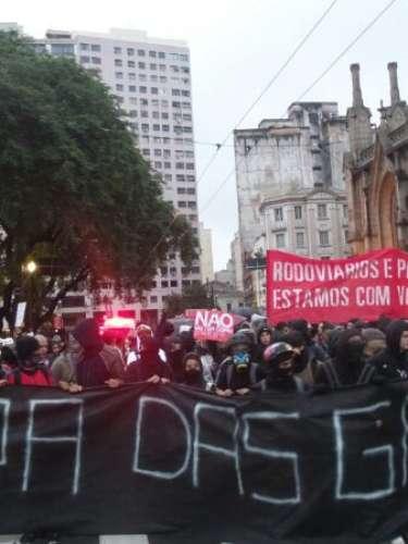 24 de maio- Manifestantes protestam contra a Copa do Mundo em SP