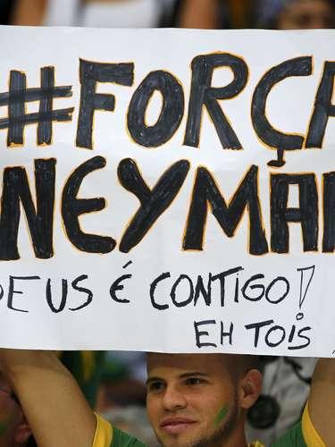 Após sofrer uma fratura na vértebra e acabar fora da Copa do Mundo, Neymar virou notícia no mundo todo. No Brasil, não foi diferente, e os torcedores aproveitaram para mandar mensagens positivas ao atacante;o jogo Holanda x Costa Rica, na Arena Castelão, em Salvador, também contou com frases de apoio