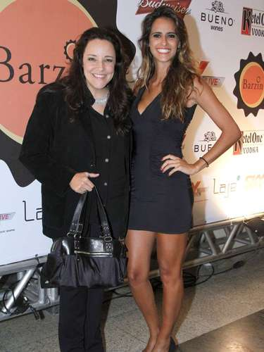 Ana Carolina e Marcella Fogaça em festa no Rio