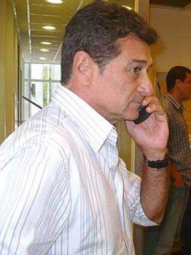 Afastado dos clubes havia algum tempo, o treinador uruguaio Darío Pereyra comandará o Vila Nova em 2013