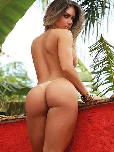 Uma nova imagem do ensaio feito para a 'Sexy' de Graciella Carvalho foi divulgada nesta segunda-feira (10)