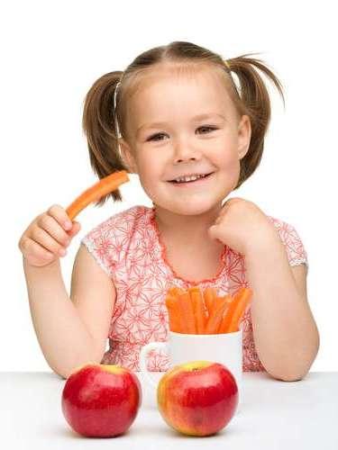 Maçã, cenoura e pepino  esses alimentos fazem uma limpeza dental quando comidos crus e, assim, evitam o acúmulo de bactérias que podem causar mau hálito.