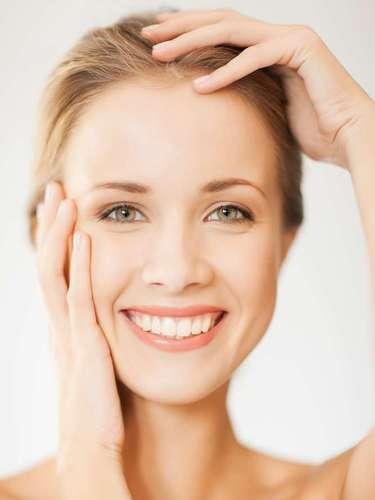 Recente na indústria cosmética, ácido kójico age sobre a pele inibindo a ação e a produção da melanina, clareando as manchas da cútis