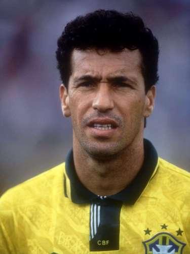 O site americano Bleacher Report elaborou uma lista com os 20 melhores jogadores de futebol do Brasil na história. Em 20º lugar ficou o ex-atacante Careca, ídolo de Guarani, São Paulo e Napoli. Técnico e ótimo finalizador, ele tem no currículo um Campeonato Italiano, uma Copa da Uefa e também dois Campeonatos Brasileiros, um com o Guarani em 1978 e outro com o São Paulo em 1986,no qual foi artilheiro o artilheiro da competição