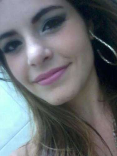 Andrise Farias Nicoletti, 20 anos, estudava Agronomia na UFSM. Era natural de São Gabriel, no Rio Grande do Sul