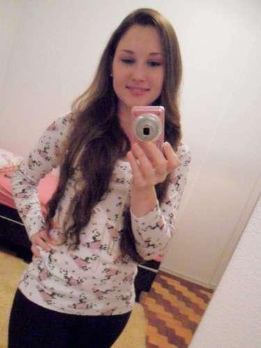 Bruna Camila Graeff, 20 anos, estudava Tecnologia em Alimentos na UFSM. A jovem era de São José do Inhacorá (RS)