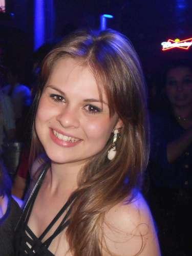 Kellen Karsten Favarin morreu no incêndio da boate Kiss, em Santa Maria (RS)